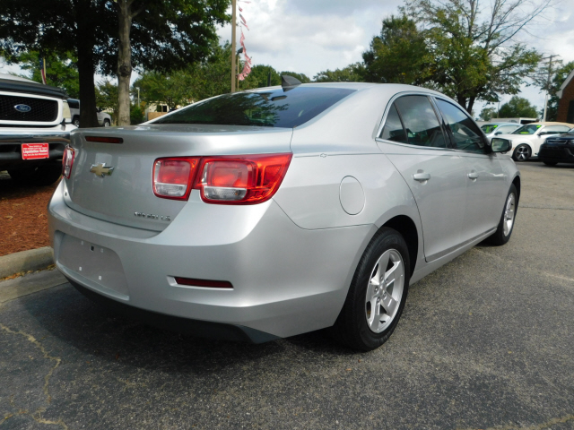 Pre-Owned 2015 Chevrolet Malibu LS
