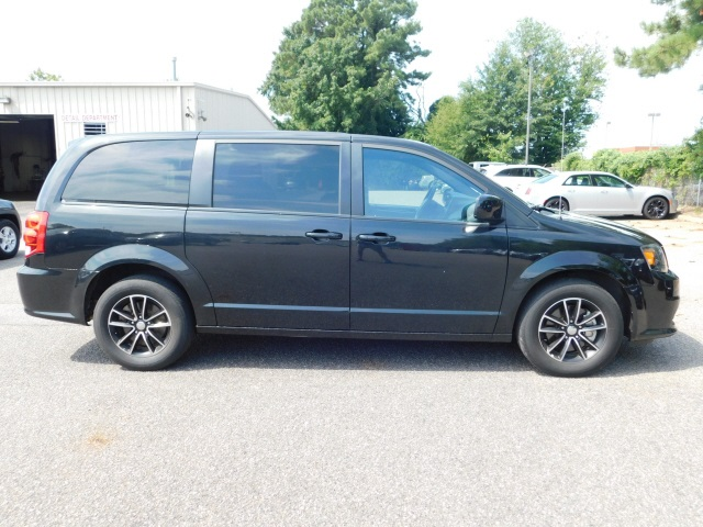 Pre-Owned 2018 Dodge Grand Caravan SE