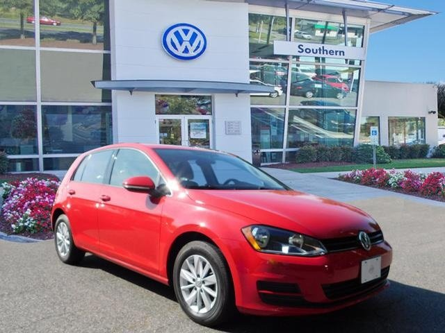 Pre Owned 2017 Volkswagen Golf Tsi S 4 Door