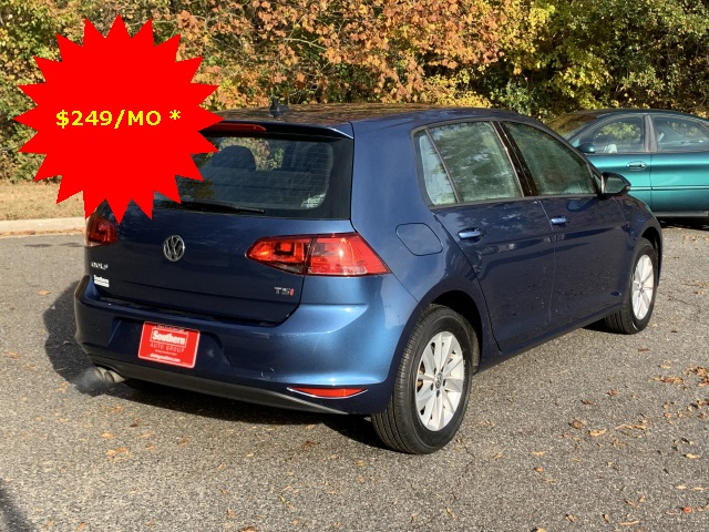Pre-Owned 2017 Volkswagen Golf TSI SE 4-Door